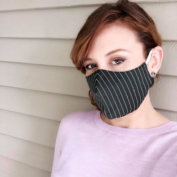 Reusable fitted face mask
